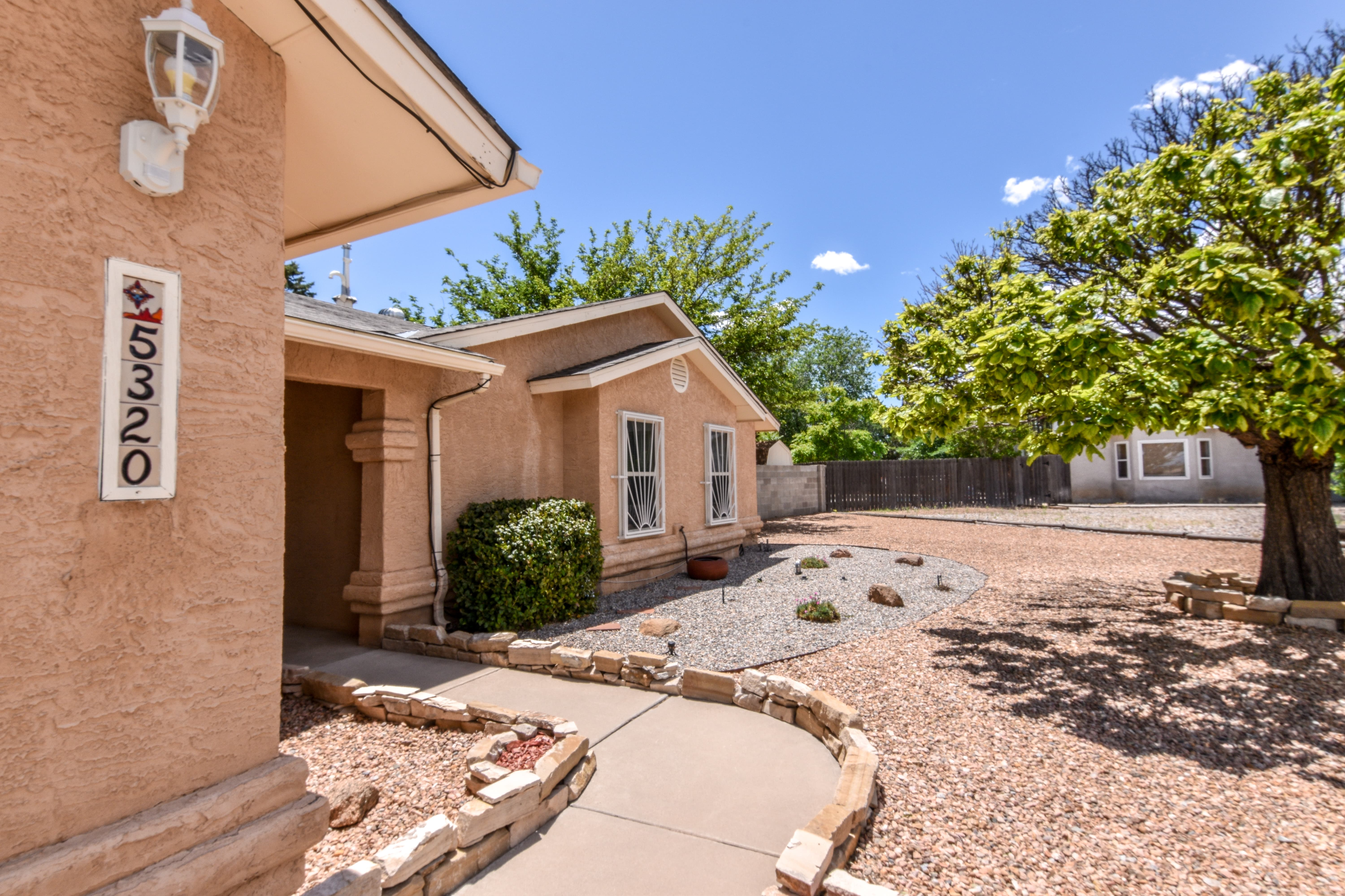 5320 Irving Boulevard NW, Albuquerque, NM 87114