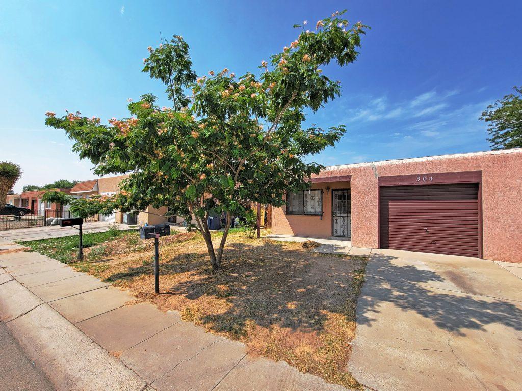 304 Garden Ave SW, Los Lunas, NM 87031